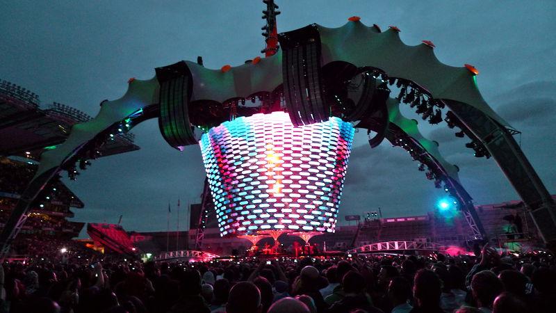800px-U2_360_Tour_Croke_Park_2