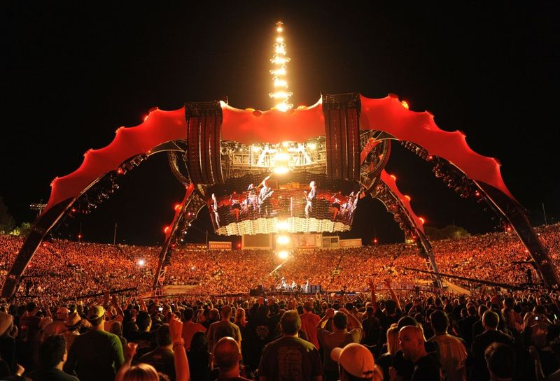 U2-rose-bowl-360-tour-1024x698